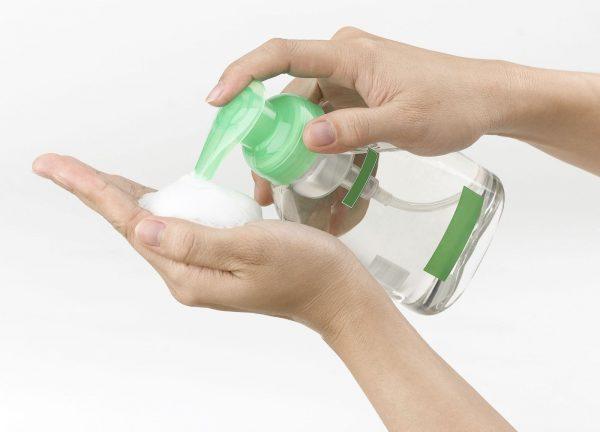 Как правильно пользоваться антисептиком для рук при коронавирусе